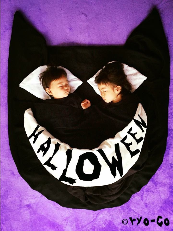 寝相アート,ハロウィン,黒猫