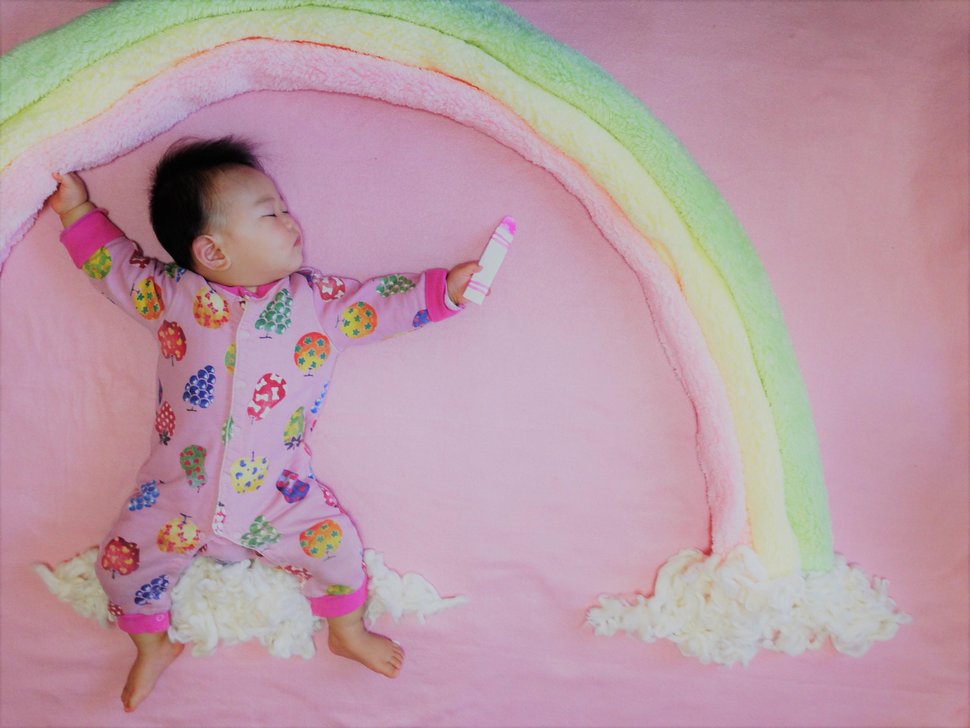 寝相アート - 虹 - rainbow